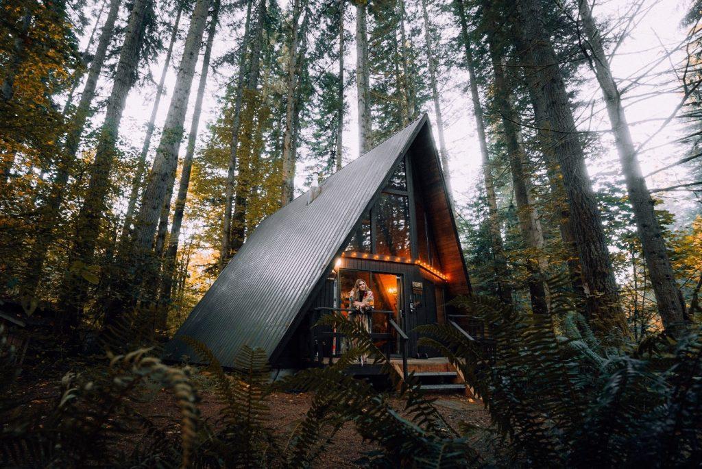airbnb v hotels budget-friendly options